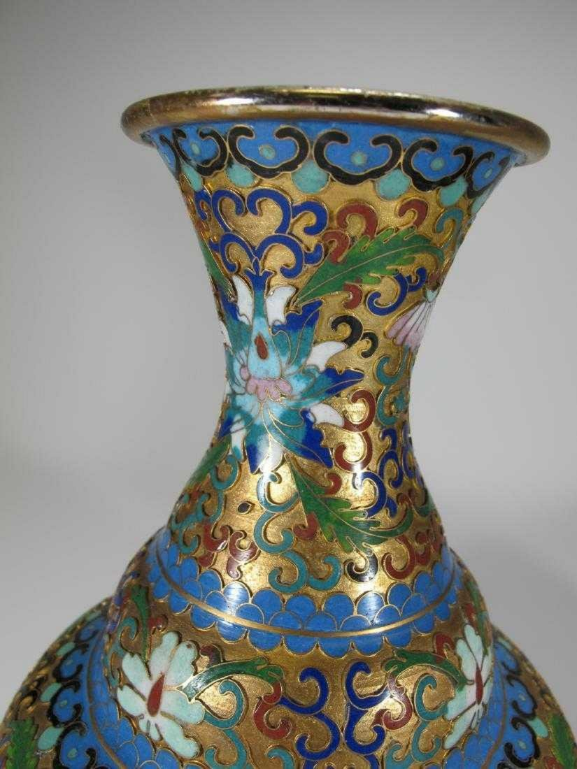 Pair of Chinese cloisonne vases - 3