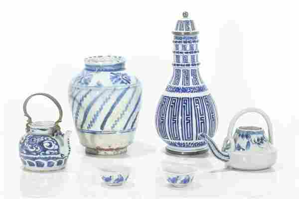 Six piece group of Asian blue & white tableware