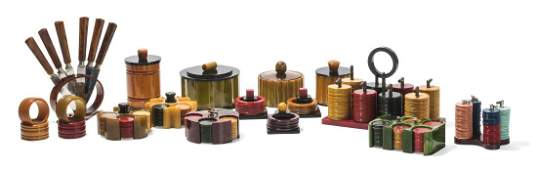 Collection of bakelite gaming sets & accessories