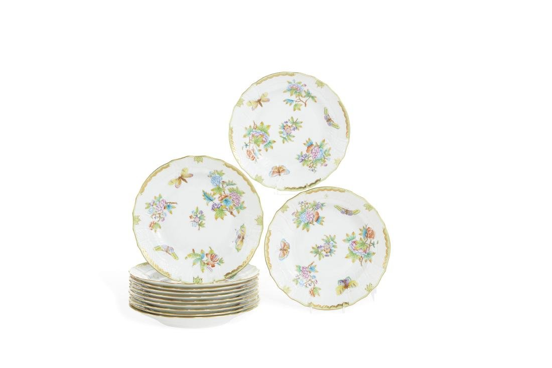 Twelve Herend Queen Victoria  dinner plates