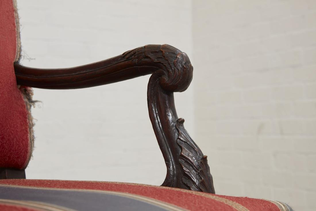 A Continental Rococo carved mahogany settee - 3