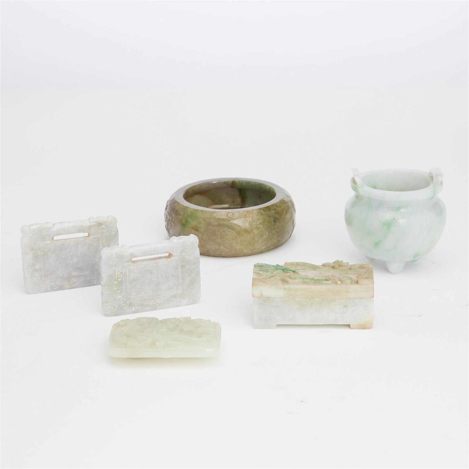 A collection of six Chinese hardstone articles