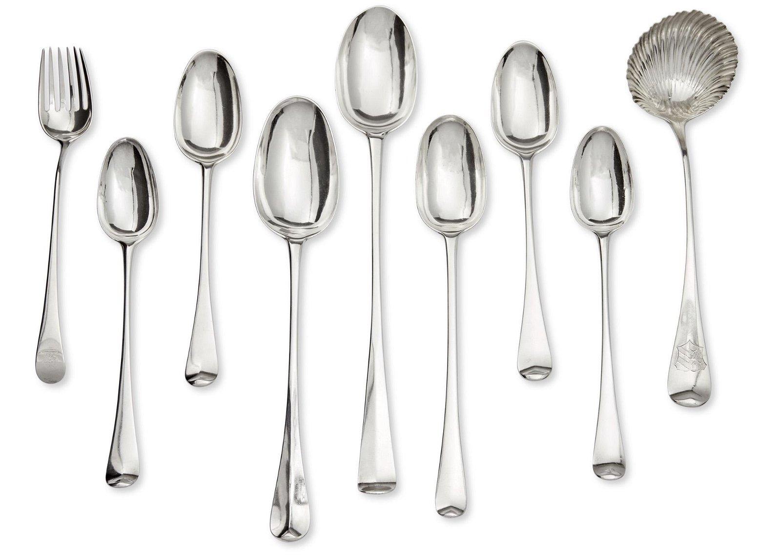 Nine pieces of Georgian sterling silver flatware
