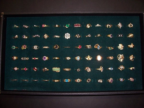 625: assorted gold rings qt. 67