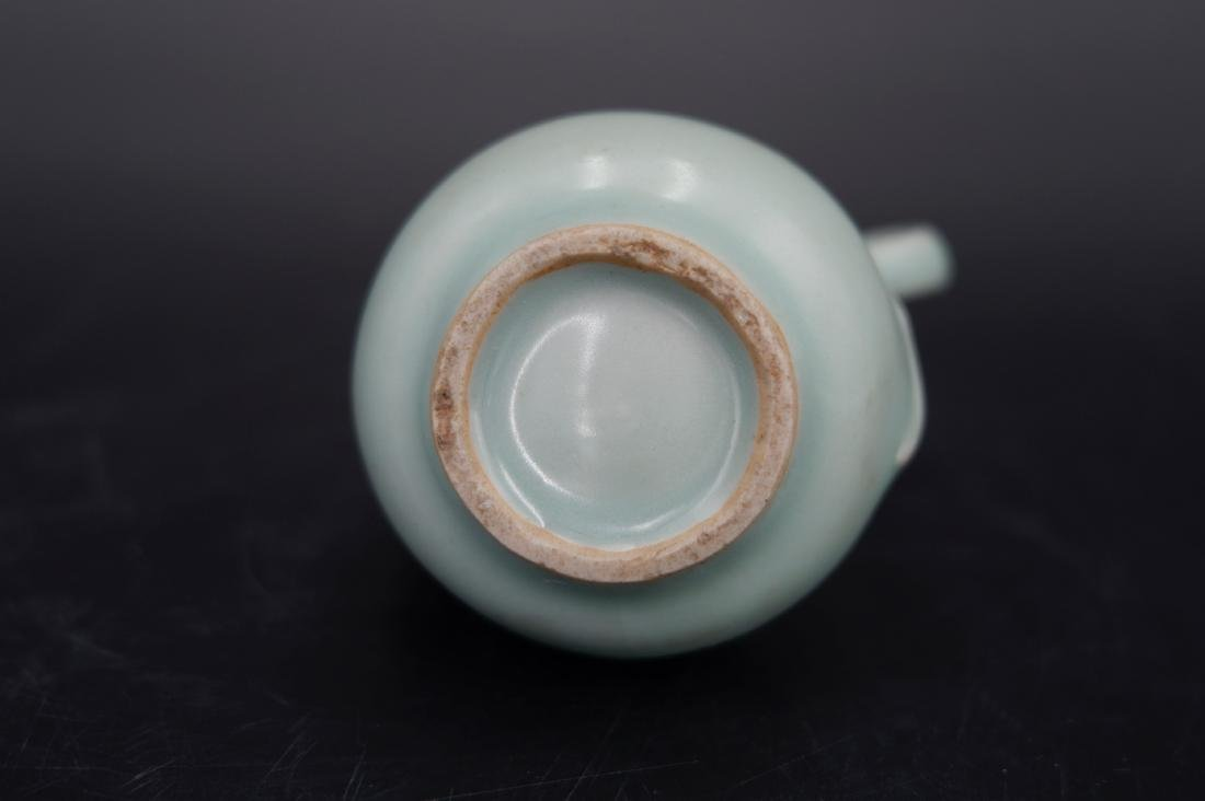 A CHINESE LONGQUAN CELADON WATER DROPPER, SONG DYNASTY - 3