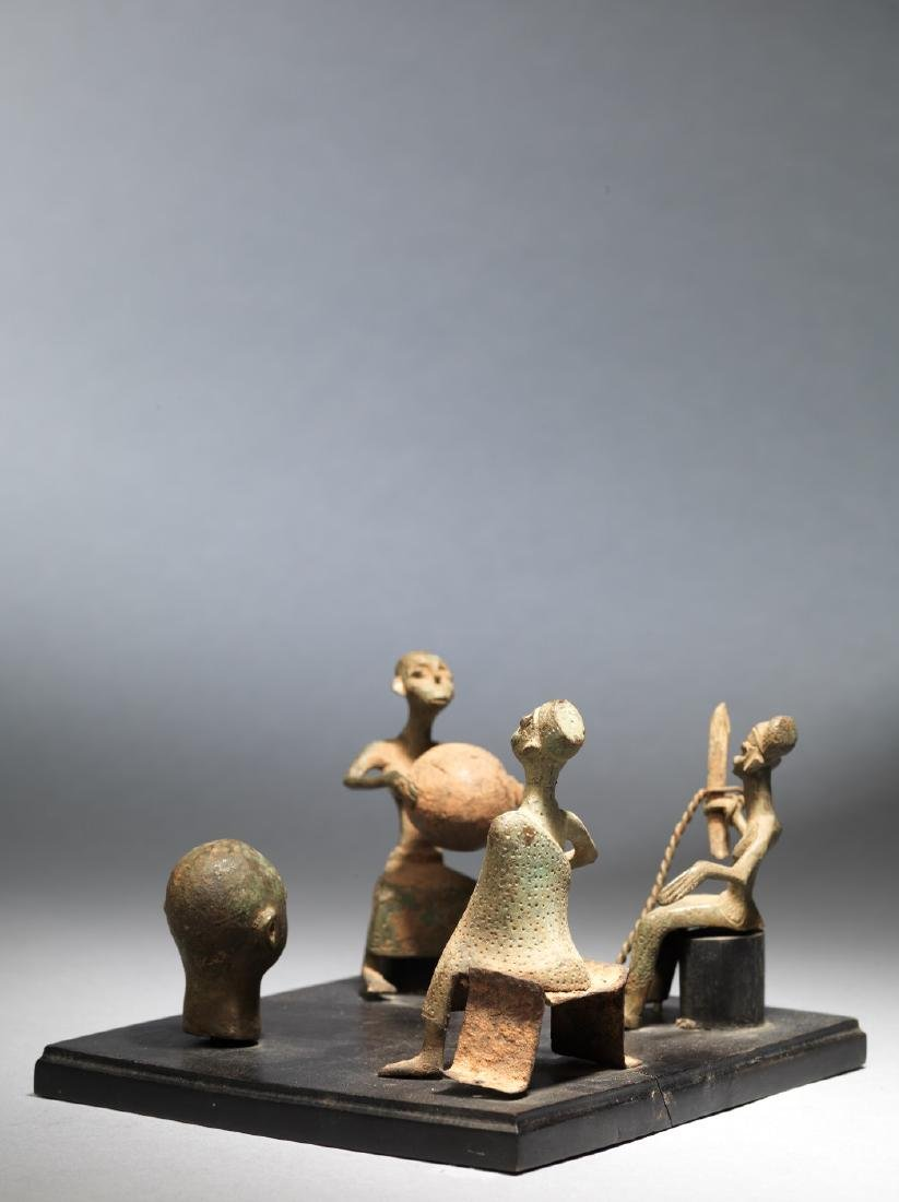 Four Fon altar figures Tribal Art - 2