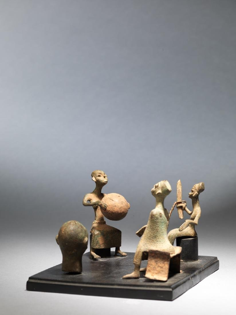 Four Fon altar figures Tribal Art - 3