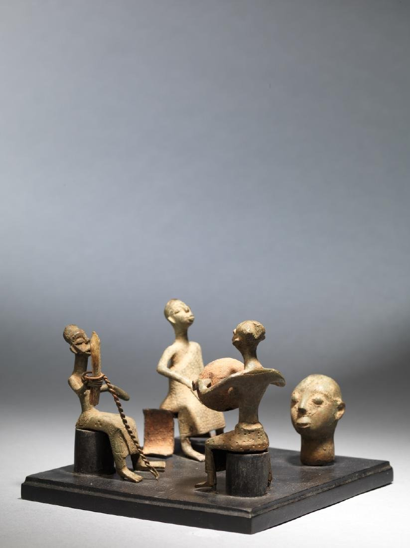 Four Fon altar figures Tribal Art - 4