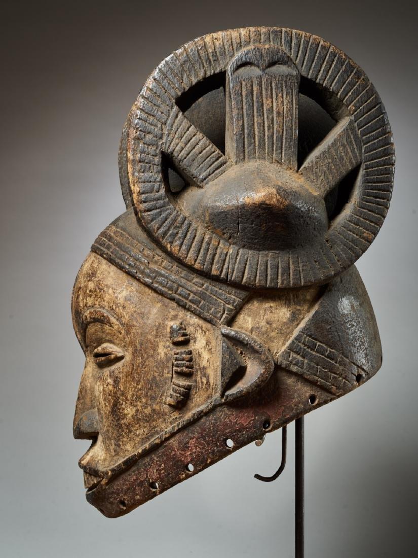 Ibo White Helmet Mask with Keloids Tribal Art - 3