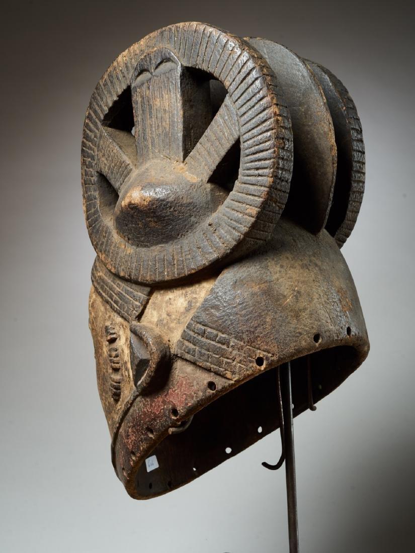 Ibo White Helmet Mask with Keloids Tribal Art - 4