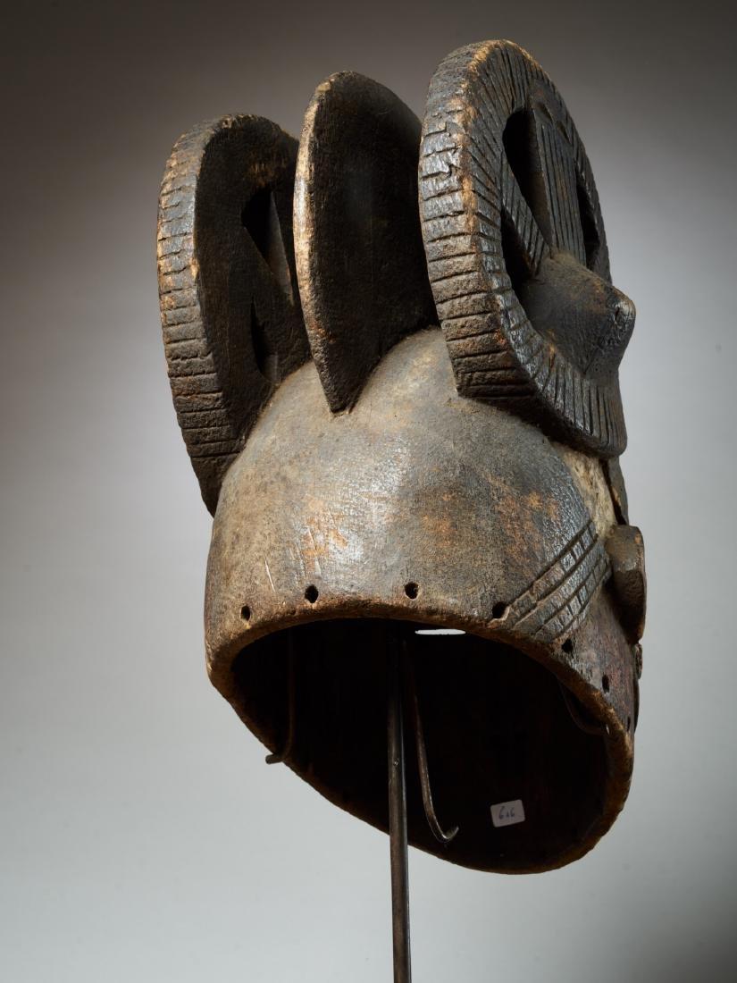 Ibo White Helmet Mask with Keloids Tribal Art - 5