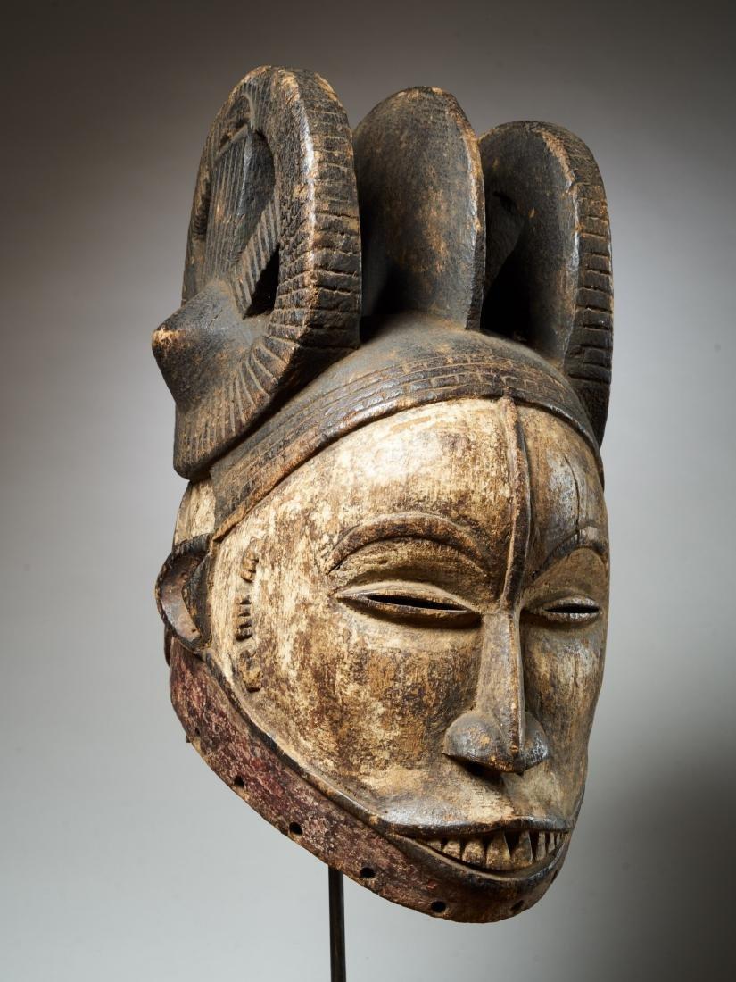 Ibo White Helmet Mask with Keloids Tribal Art - 8
