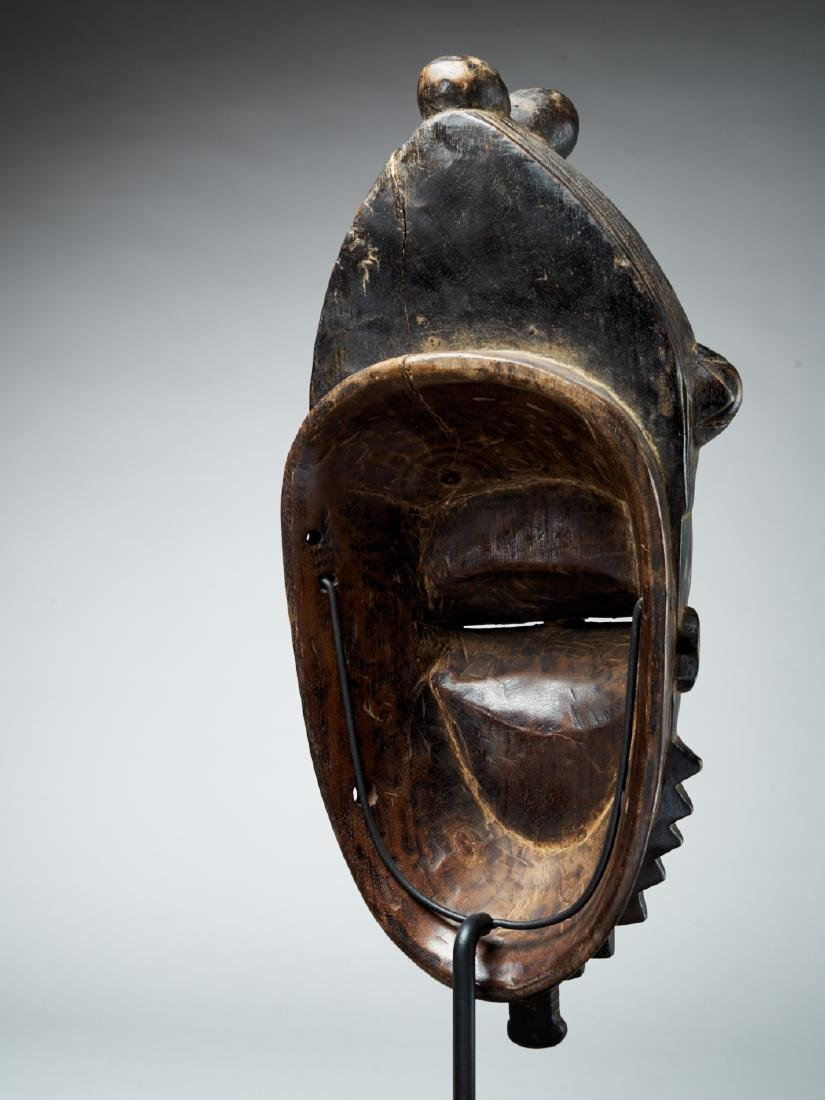 Baule Kpan mask with a black face - Tribal Art - 5