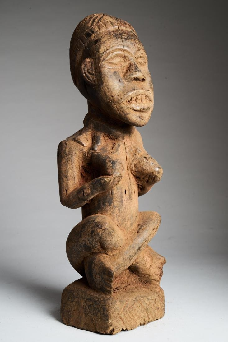 Kongo Female Statue in Phemba position Tribal Art - 2