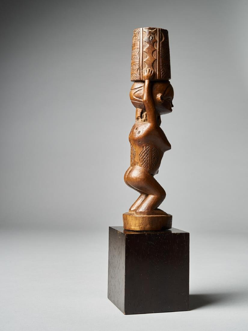 Standing Female Figure with scarifications - Dondo - 5