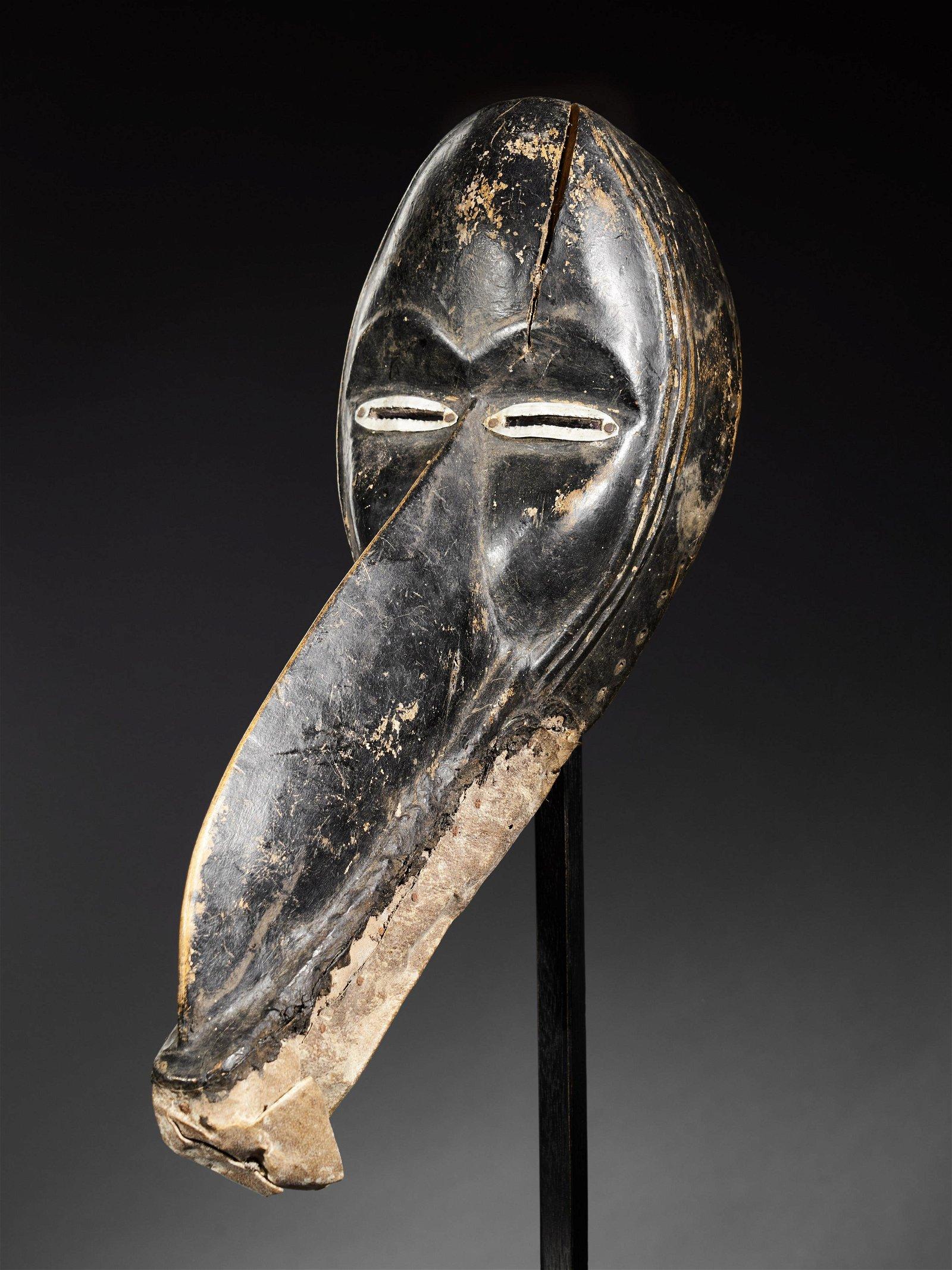Gagon Beak Mask, Dan - Tribal Art