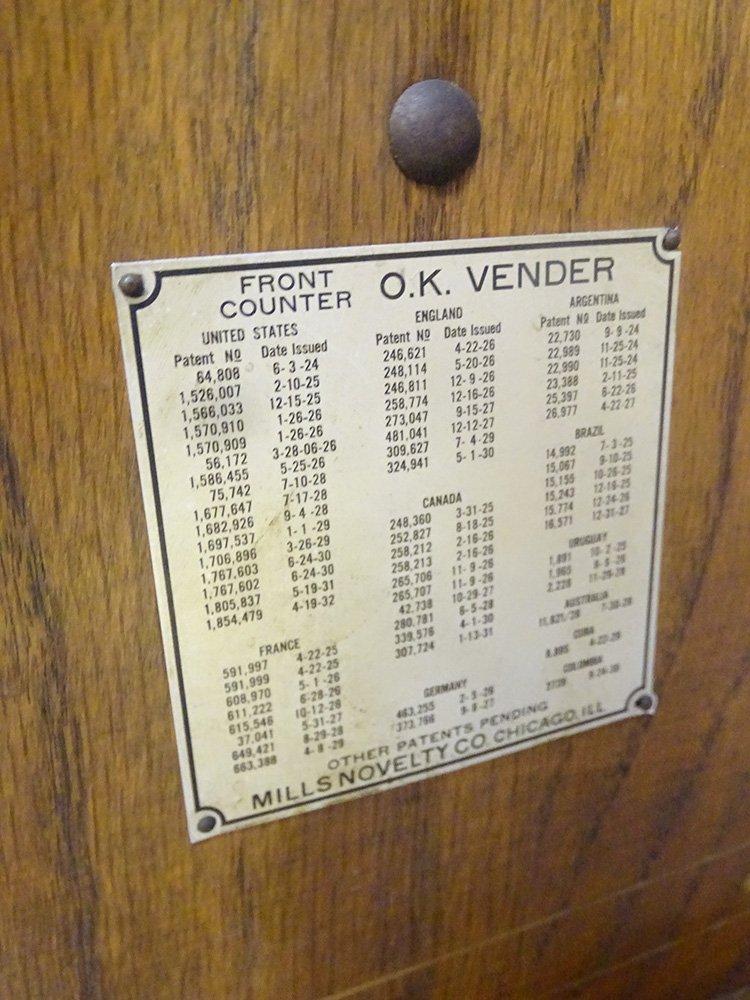 5 Cent Mills 1931 Slot Machine - 4