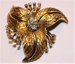 Spectacular 18k Gold Pin with Cluster of Diamonds