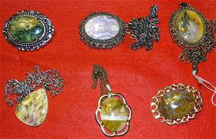 4 Pendants and 2 Pins with Agate Stones