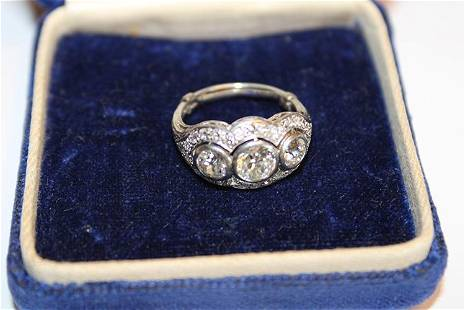 Ladies 18k Fancy Victorian Ring with 3 Diamond Totaling