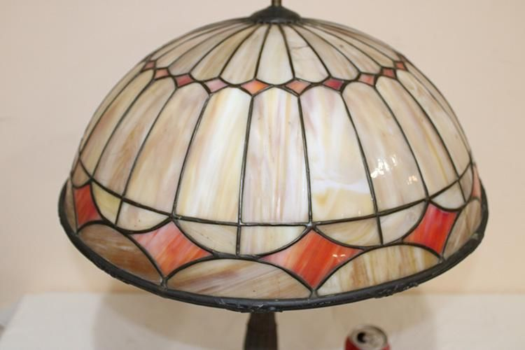 2 Color Antique Leaded Table Lamps