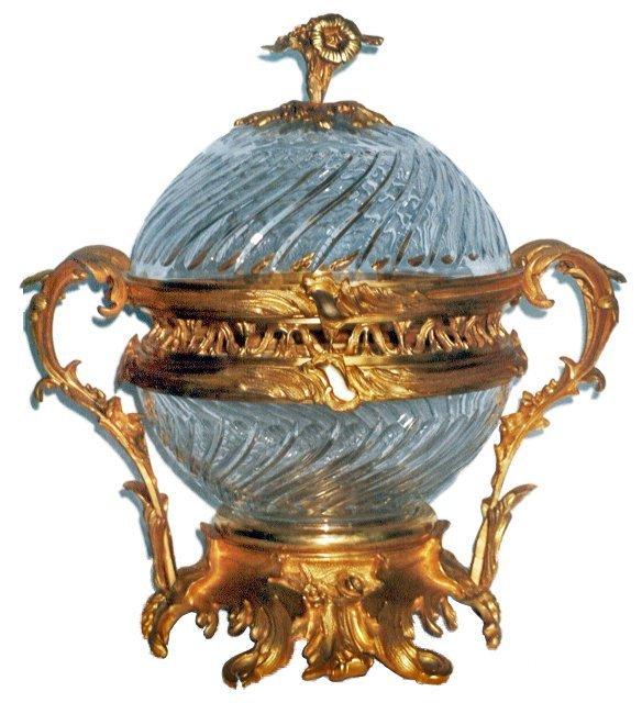 1001: 6952 Elegant Dor' Bronze & Glass Centerpiece