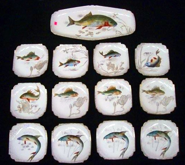 1003: 7002 19th C. 13-Piece Hand Painted Fish Plate Set