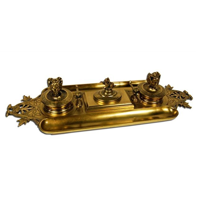 3009: 5380 Antique Bronze Inkwell with Dog & Roman Head