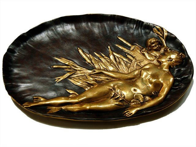 3012: 6803 Antique Bronze Plate with Lying Lady