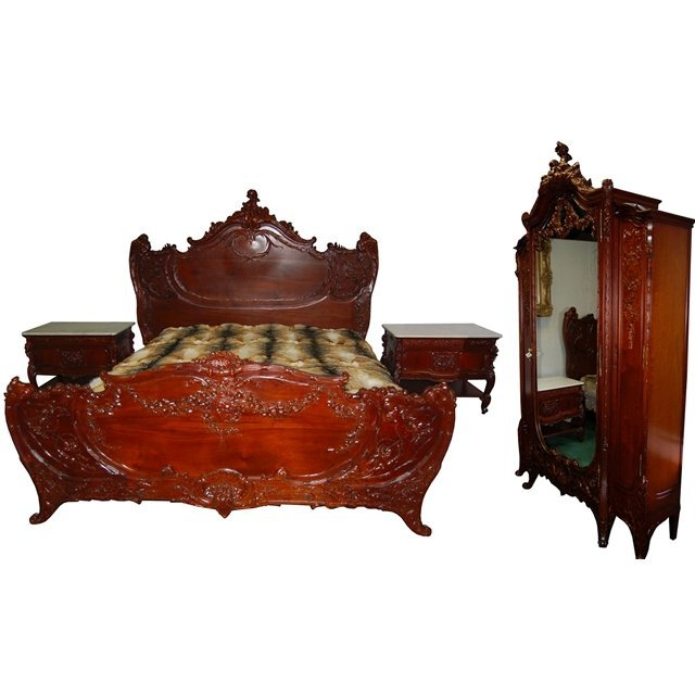 6924 4-Pc. Carved Walnut French Rococo King-Sized Bedro