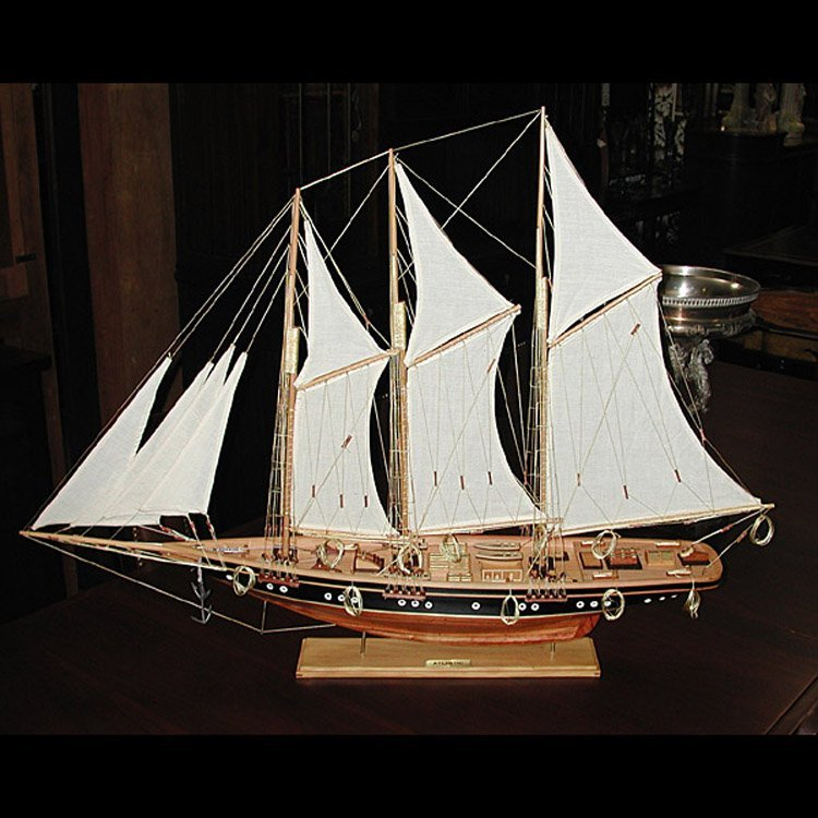 3185 Detailed Model of the Historic American Yacht