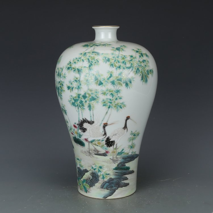 Chinese Qing Dynasty pastel vase