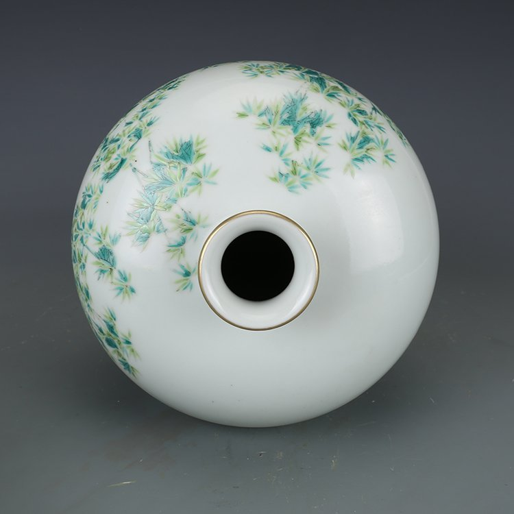 Chinese Qing Dynasty pastel vase - 8