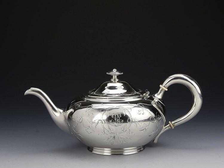 1838 French sterling silver gilt tea set - 4
