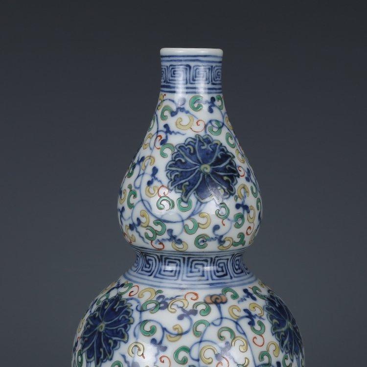 Qing Dynasty blue and white porcelain gourd bottle - 2