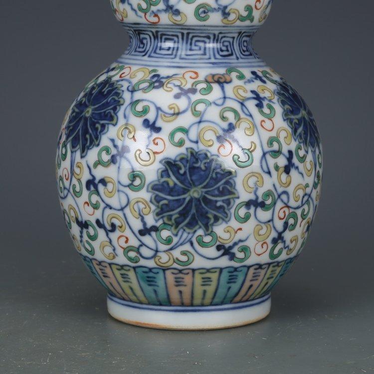 Qing Dynasty blue and white porcelain gourd bottle - 3