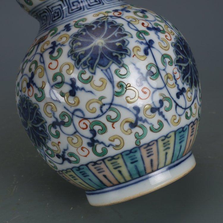 Qing Dynasty blue and white porcelain gourd bottle - 4