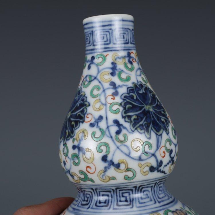 Qing Dynasty blue and white porcelain gourd bottle - 5