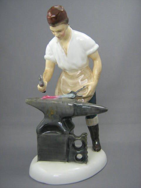 2008: Royal Doulton Figurine Blacksmith of Williamsburg