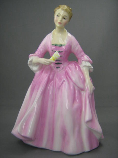 2012: Royal Doulton Figurine Hostess of Williamsburg