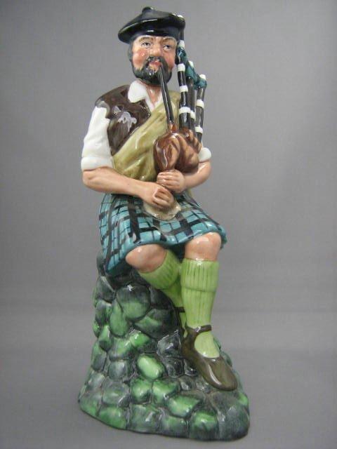 2019: Royal Doulton Figurine The Piper