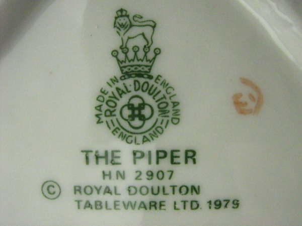 2019: Royal Doulton Figurine The Piper - 2