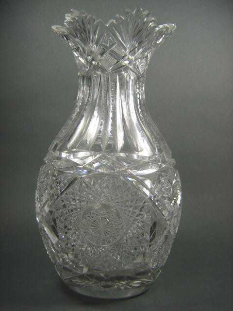 11 Victorian Cut Pinwheel Crystal Vase