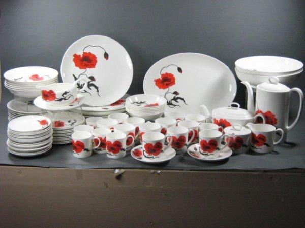 165: Wedgwood Susie Cooper Cornpoppy Dish Set