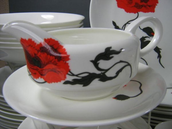 165: Wedgwood Susie Cooper Cornpoppy Dish Set - 4