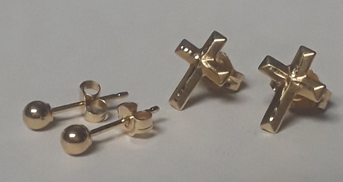 Lot of 2 Pairs of 14k Gold Earrings