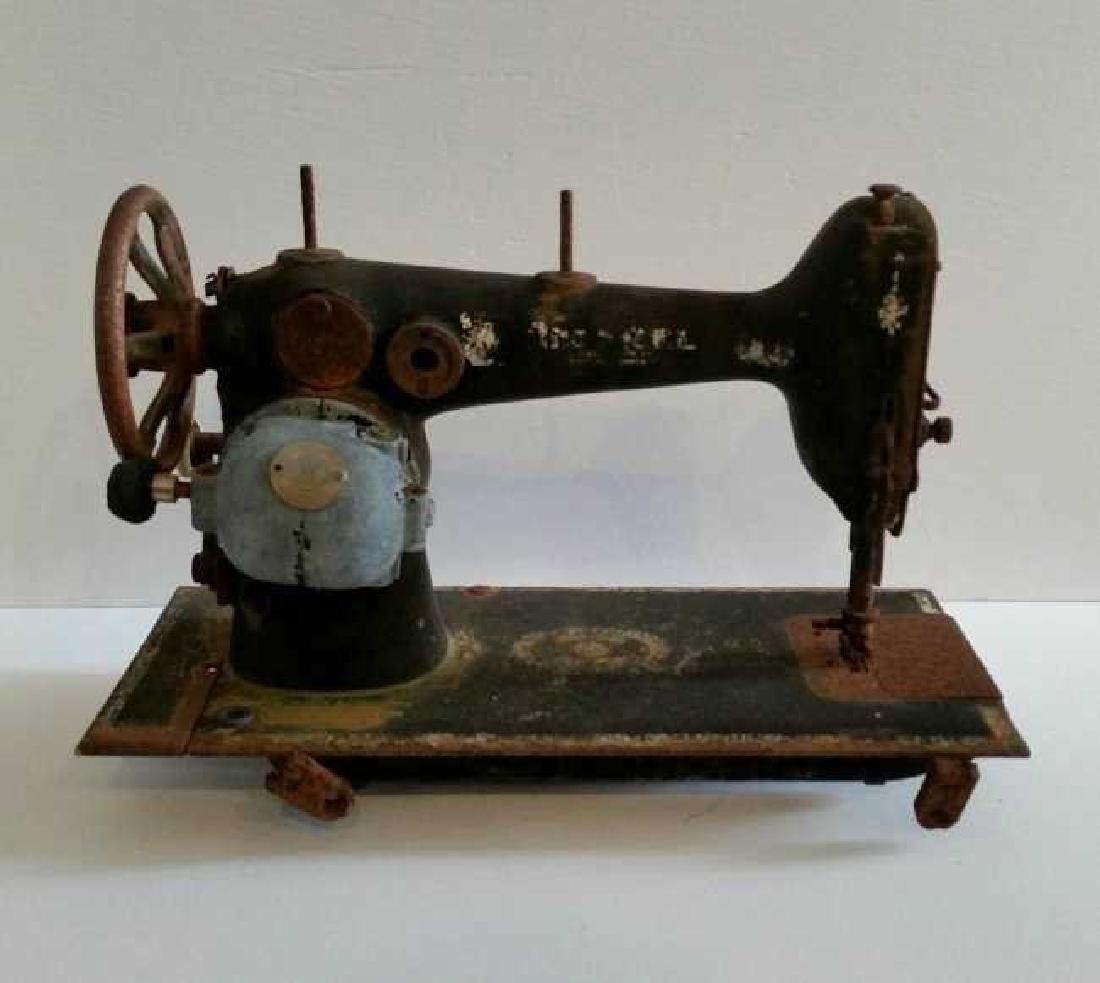 Westinghouse Electric Antique Vintage Sewing Machine