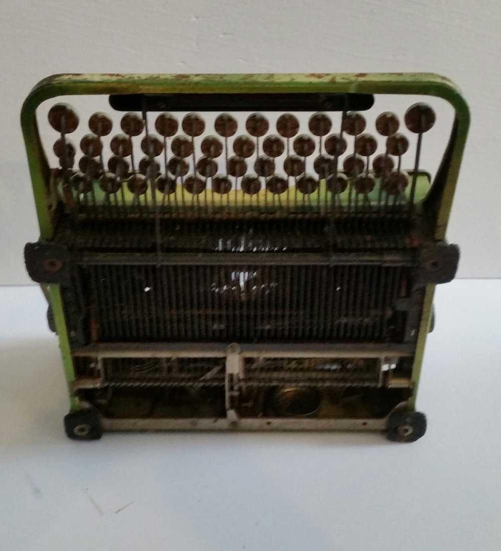 Antique Vintage Royal Typewriter 1940s - 3