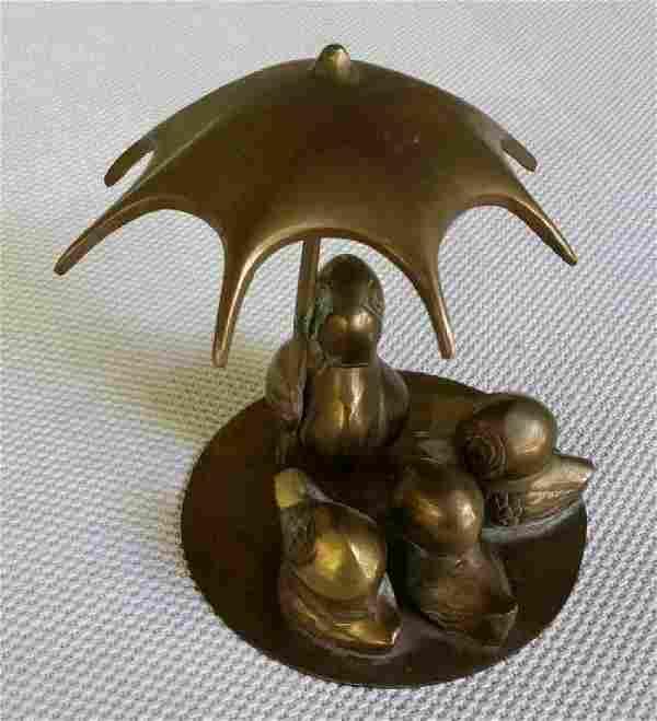 Bronze Sculpture Duck Ducklings W/ Umbrella Vintage .