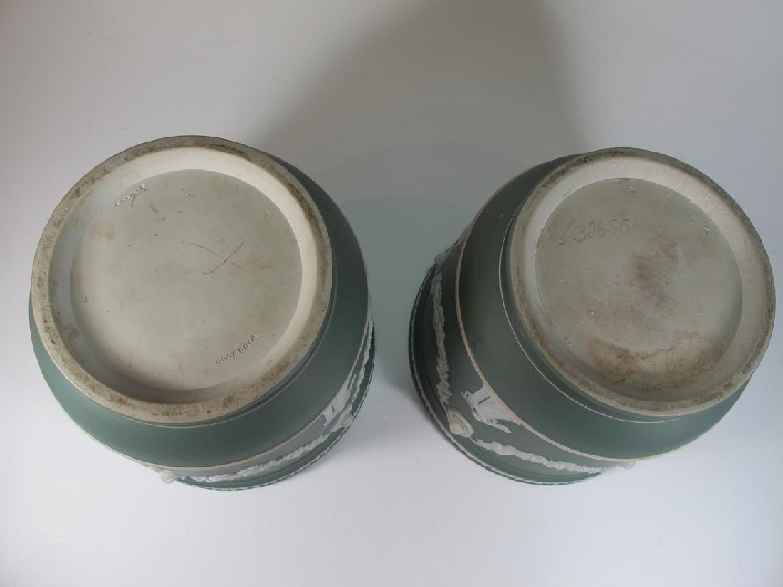 Antique English Wedgwood porcelain Vases - 3